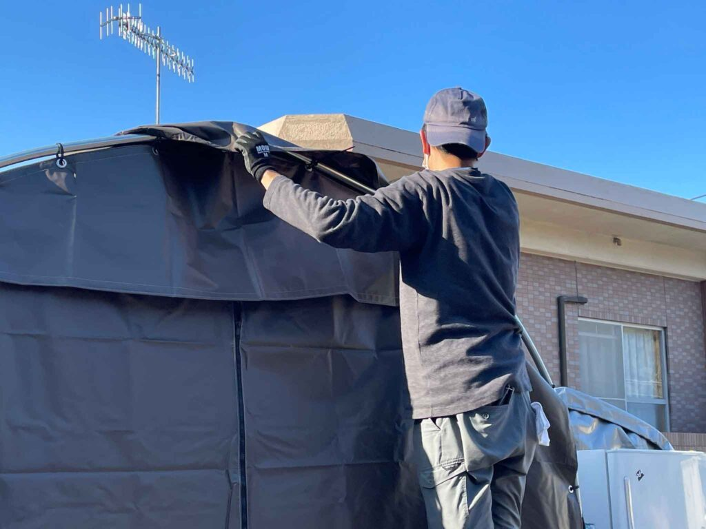 テント車庫の幕張り1